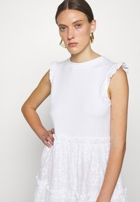 kate spade new york - MEDIA BRODRE DRESS - Denní šaty - fresh white - 3