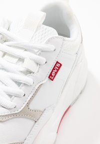 Levi's® - WEST - Trainers - regular white - 2