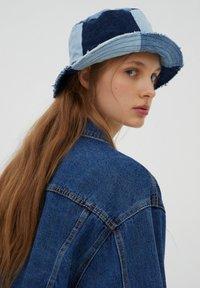 PULL&BEAR - Denim jacket - mottled blue - 4