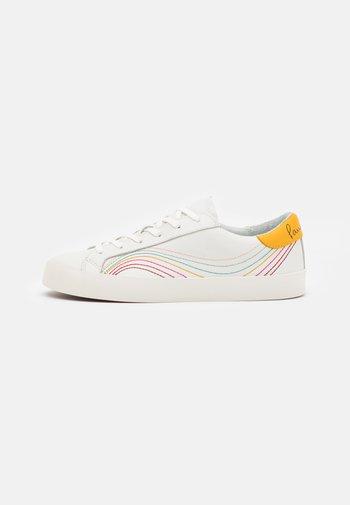 PIDGEON - Trainers - white