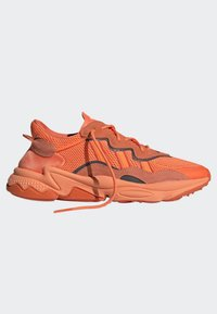 adidas Originals - OZWEEGO SHOES - Trainers - orange - 11