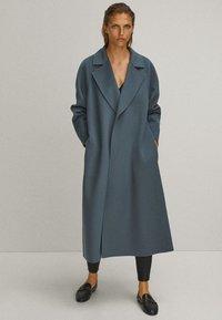 Massimo Dutti - Trenchcoat - blue - 1