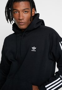 adidas Originals - ADICOLOR TECH HOODIE - Hoodie - black