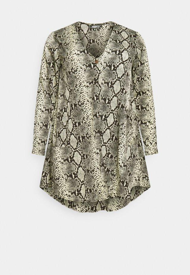 BUTTON THRU SMOCK DRESS SNAKE - Denní šaty - grey