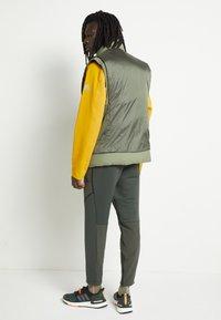 adidas Performance - Waistcoat - dark green - 3