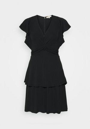 TWIST RUFFLE DRESS - Jerseykjoler - black