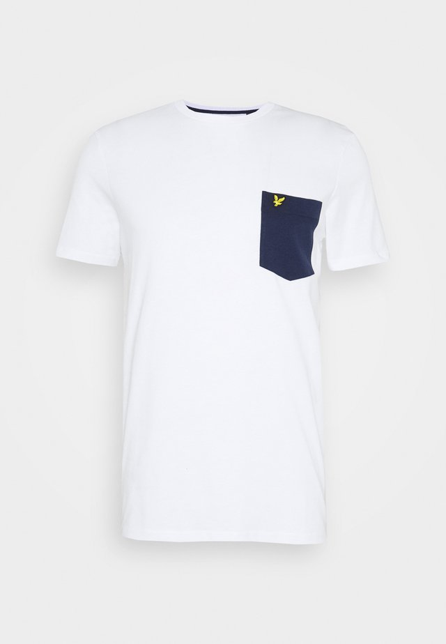 CONTRAST POCKET - Print T-shirt - white/navy