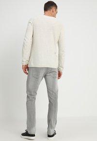 INDICODE JEANS - TONY - Jeans slim fit - light grey - 2