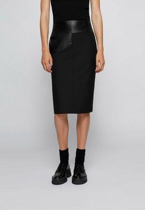 Pencil skirt - black