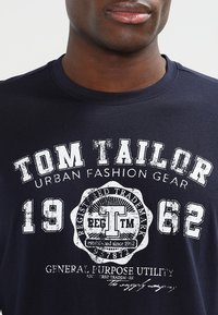 TOM TAILOR - LONGSLEEVE PRINT TEE - Maglietta a manica lunga - navy - 3