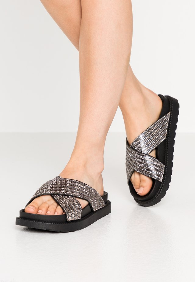 Mules - pewter
