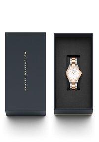 Daniel Wellington - Iconic Link Lumine – 28mm - Watch - rose gold - 4