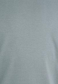 Tiger of Sweden - OLAF - Basic T-shirt - north atlantic - 6