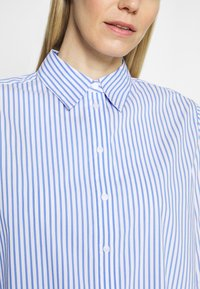 Opus - FEORGIA - Button-down blouse - blue mood - 4