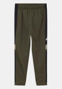 Nike Sportswear - POLY SET UNISEX - Tracksuit - cargo khaki/black/stone/white - 2