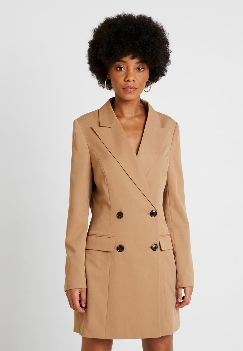 NA-KD - WIDE LAPEL BLAZER DRESS - Vestido camisero - camel