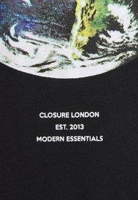 CLOSURE London - EARTH TEE - T-shirt imprimé - black - 6