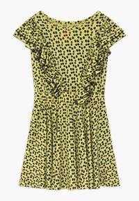 WAUW CAPOW by Bangbang Copenhagen - SAYDEE - Žerzejové šaty - yellow - 0