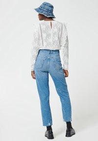 Pimkie - MOM FIT JEAN - Straight leg jeans - denimblau - 2
