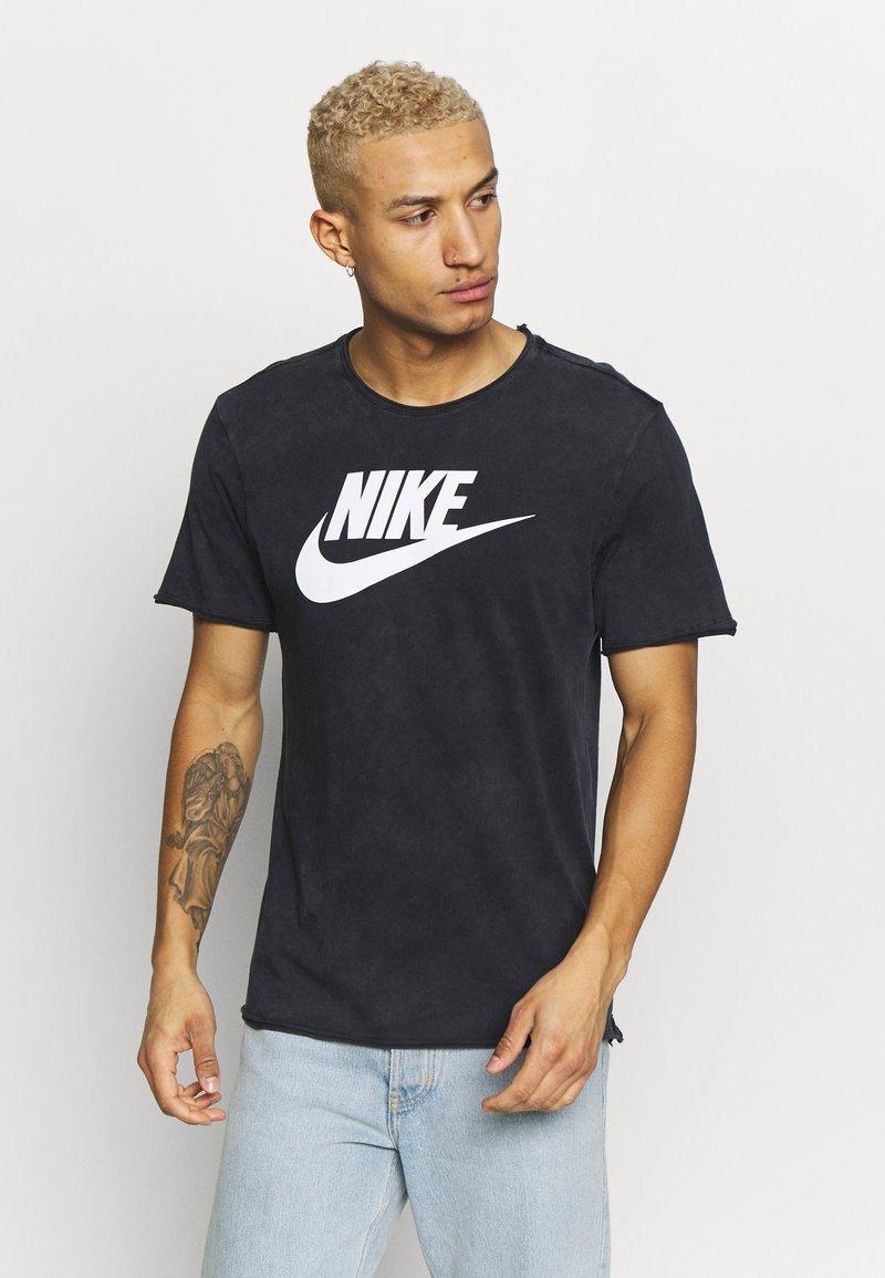 Nike Sportswear - ICON FUTURA WASH - Camiseta estampada - black/white