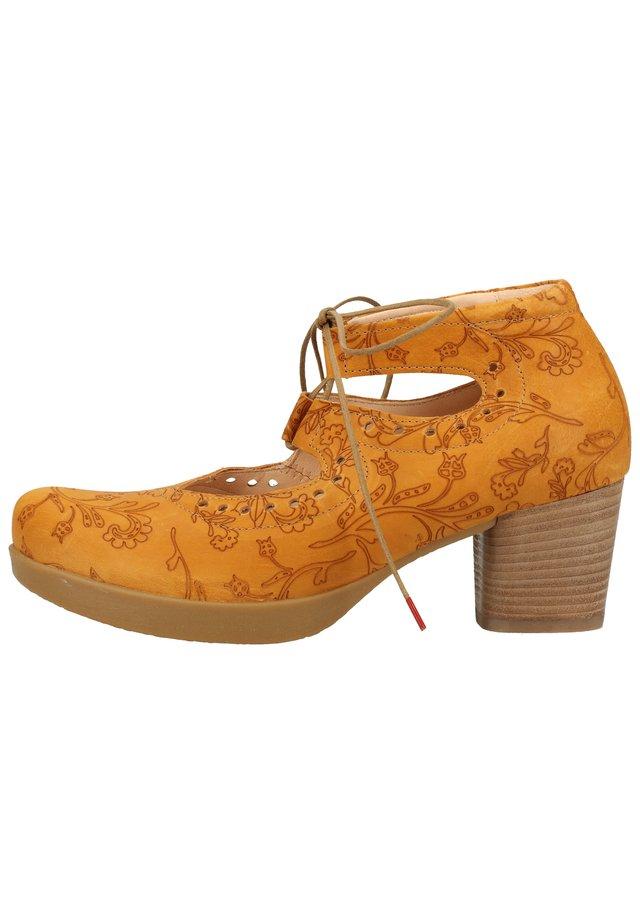 Sandalen met sleehak - caramel 51