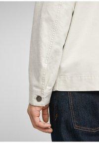 s.Oliver - Summer jacket - beige - 6