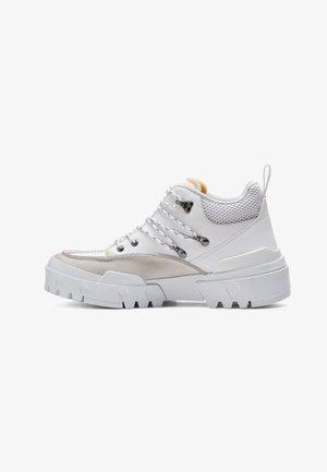 HMR PEAK  - Höga sneakers - white/white