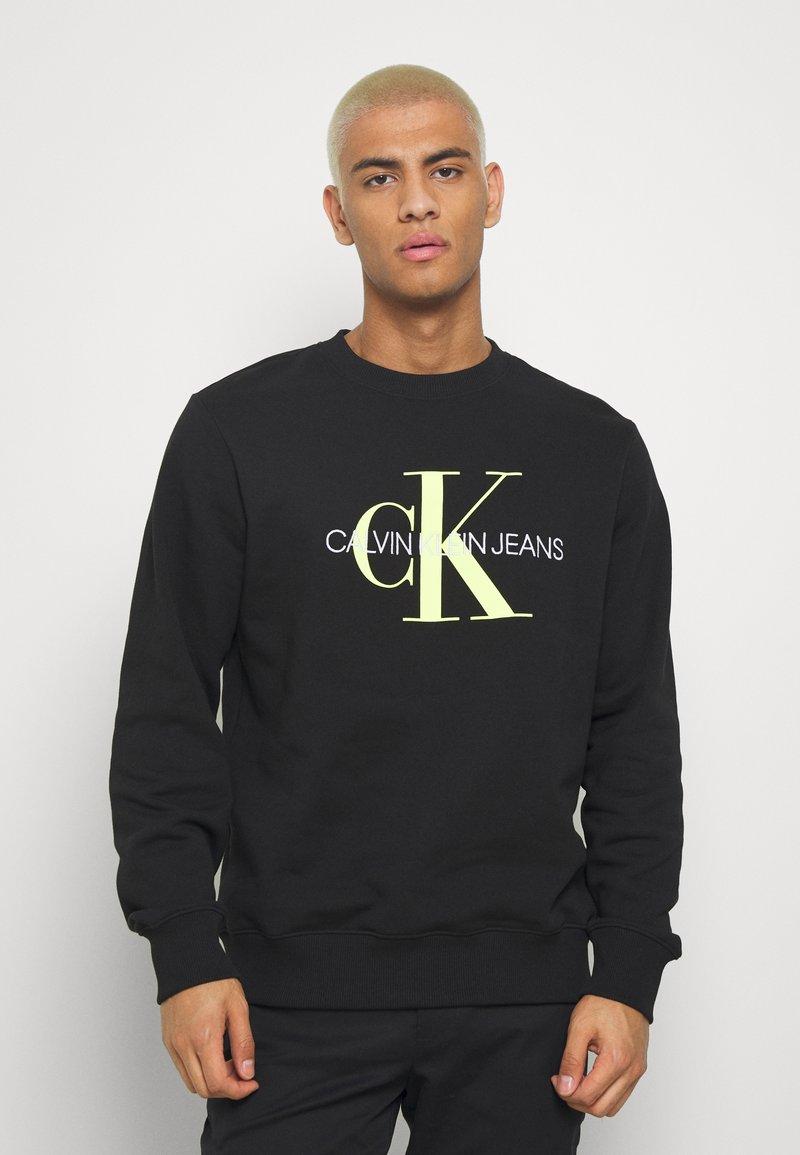 Calvin Klein Jeans - MONOGRAM CREW NECK - Felpa - black