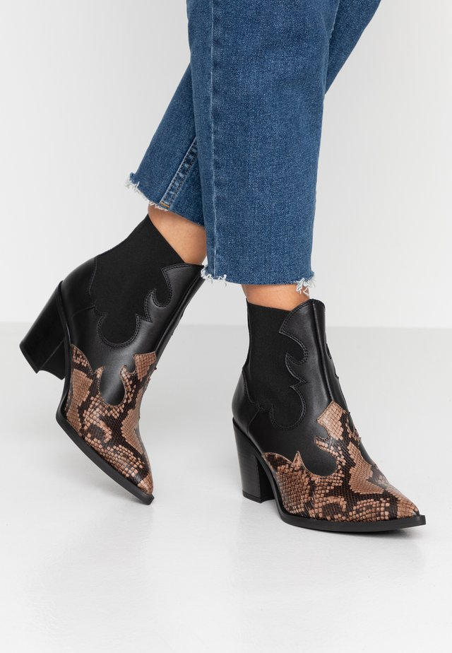 MISION - Cowboy/biker ankle boot - mocca