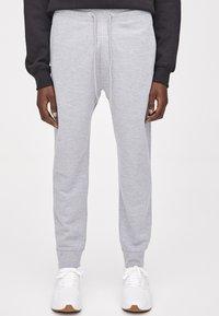PULL&BEAR - Teplákové kalhoty - light grey - 0
