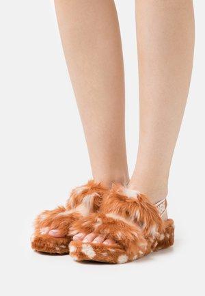 OH YEAH SPOTS - Domácí obuv - natural