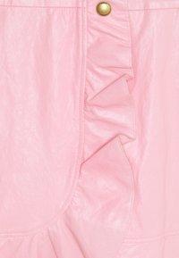 Pinko - CHIACCHIERONE GONNA SIMILPELLE - Mini skirt - pink - 2