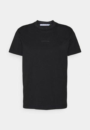 LOGO TEE UNISEX - T-shirt med print - black