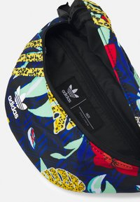 adidas Originals - WAISTBAG UNISEX - Ledvinka - multicolor - 2