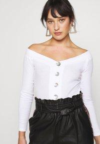 Glamorous Petite - BARDOT BUTTON BODY - Long sleeved top - white - 4