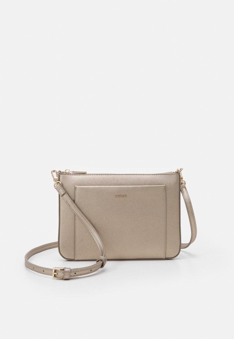 PARFOIS - CROSSBODY BAG FAME - Across body bag - silver