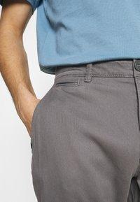 TOM TAILOR - STRUCTURE  - Trousers - castlerock grey - 3