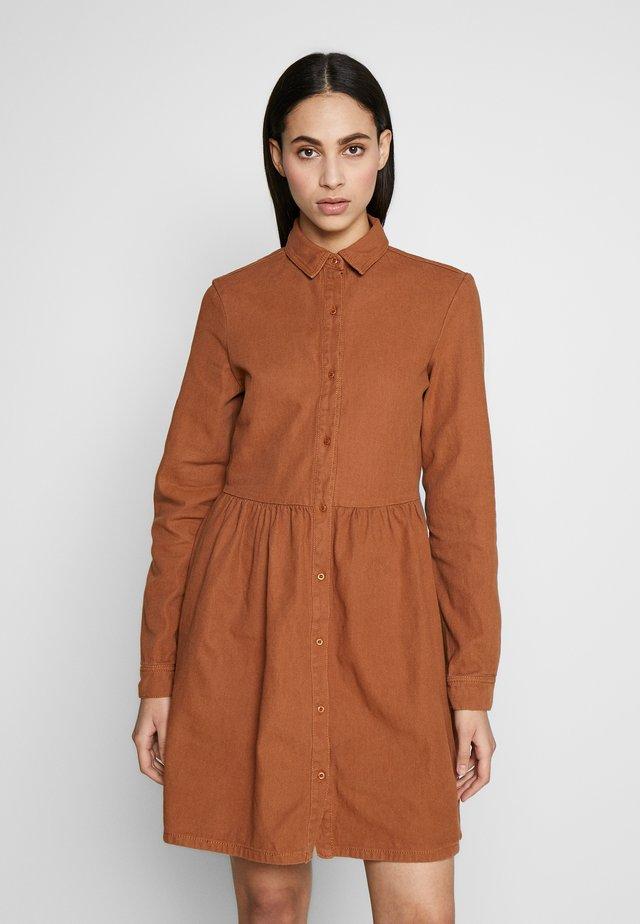 SMOCK DRESS - Denim dress - tan