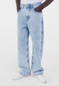 Bershka - Flared Jeans - blue denim - 0