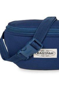Eastpak - SWEATER LOVE - Bum bag - blue - 3