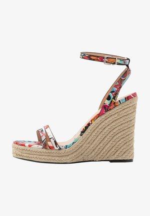Højhælede sandaletter / Højhælede sandaler - multicolor