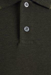 Lyle & Scott - OXFORD  - Polo shirt - trek green/ jet black - 6