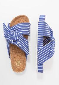 Scotch & Soda - YOLIN  - Pantofle - blue striped - 3