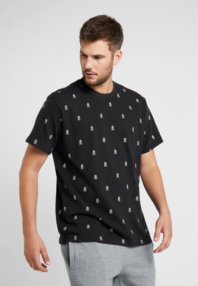 ALL OVER TENNIS TEE - T-shirt imprimé - black