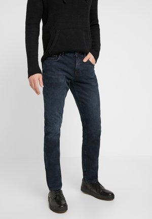 STRAIGHT DENTON  BURKE  - Straight leg jeans - dark-blue denim