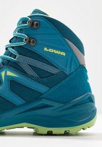 Lowa - INNOX PRO GTX MID JUNIOR UNISEX - Hiking shoes - türkis/mint - 2