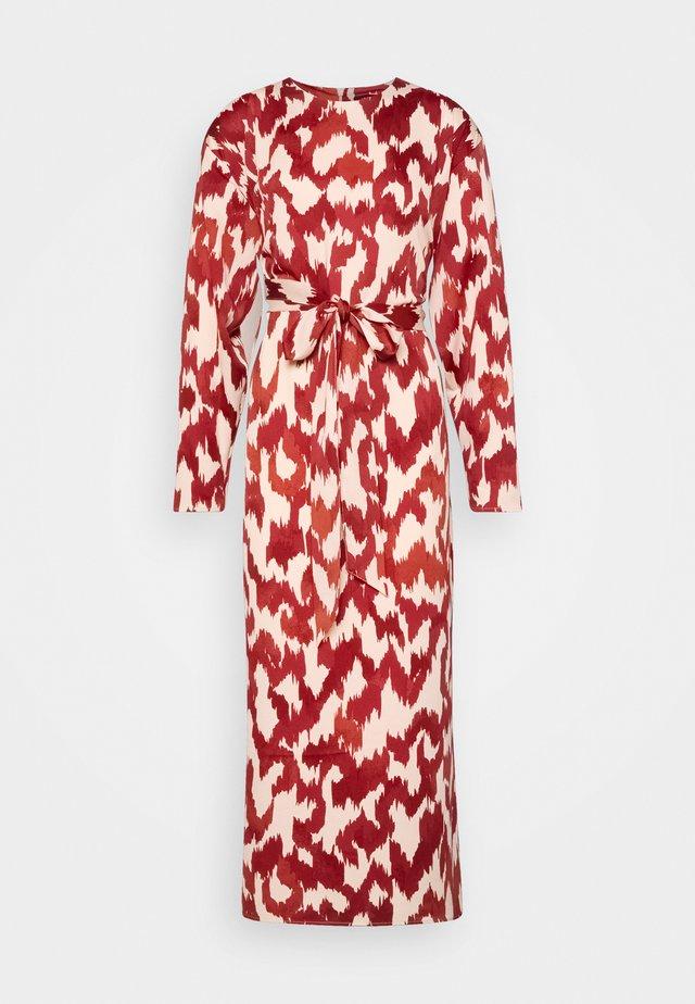DRESS ABIGAIL - Korte jurk - dusty red