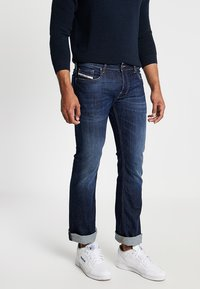 Diesel - ZATINY - Bootcut jeans - 082ay - 0