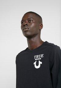True Religion - LONGSLEEVE LOGO  - Camiseta de manga larga - black - 3