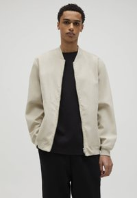 PULL&BEAR - Giubbotto Bomber - light brown - 0